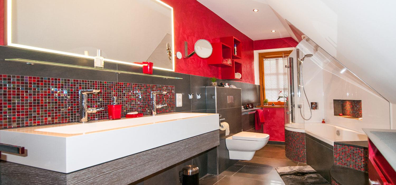 Das Neue Bad Sollte Eine Wohnliche Atmosphäre Ausstrahlen, Dabei Großzügig  Wirken Und Zusätzlich Einen Duschbereich Bekommen. Farbe Erwünscht.